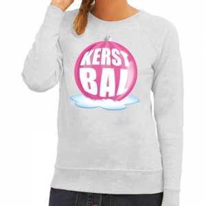 Foute kersttrui kerstbal roze op grijze sweater voor dames